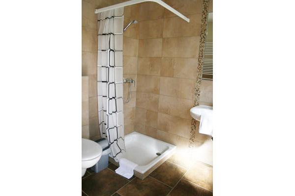 wiesenhaus-dusche