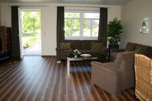 wiesenhaus-wohnzimmer